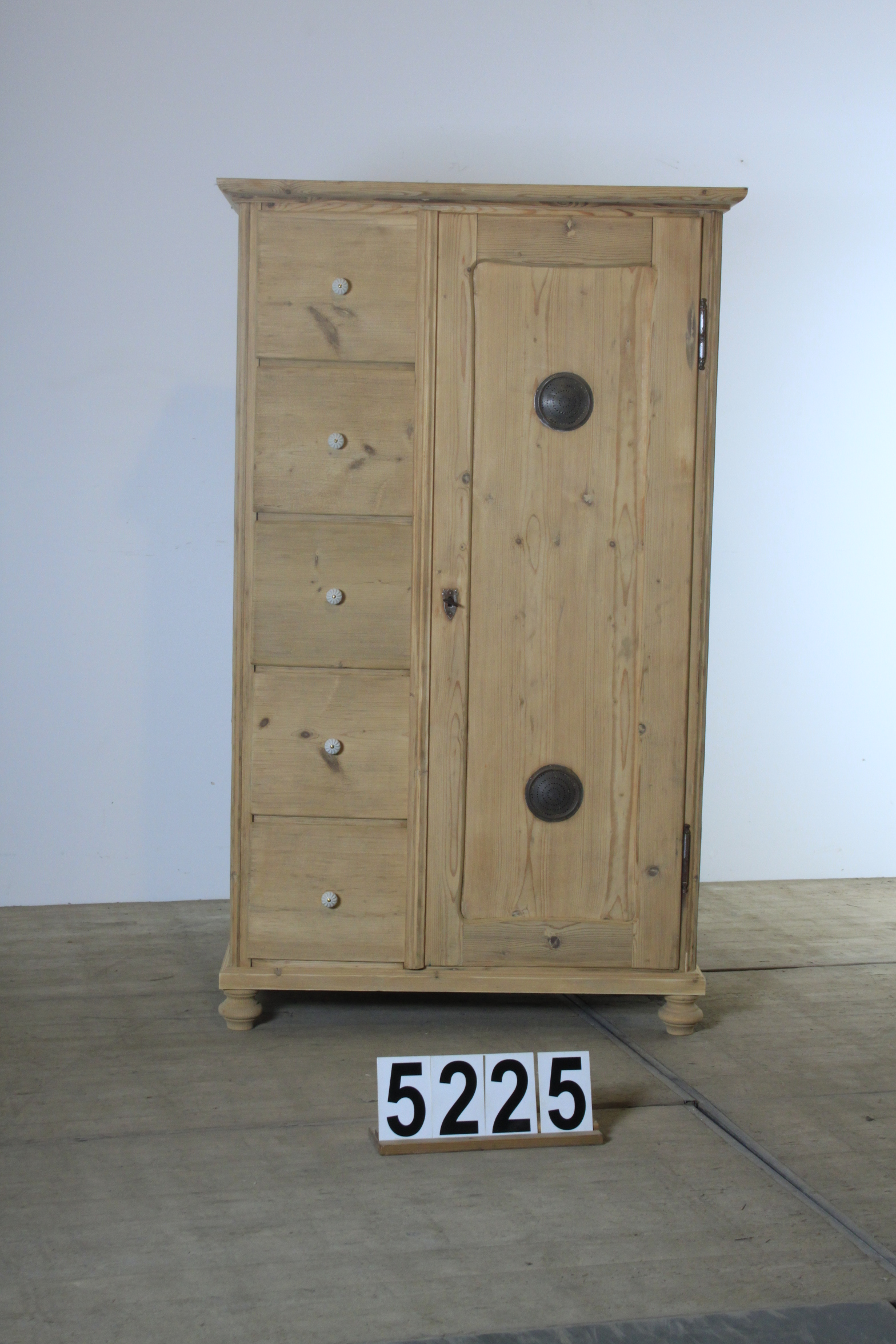 02 Antique pine furniture